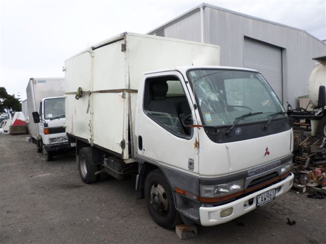 Mitsubishi Fuso truck wreckers and parts