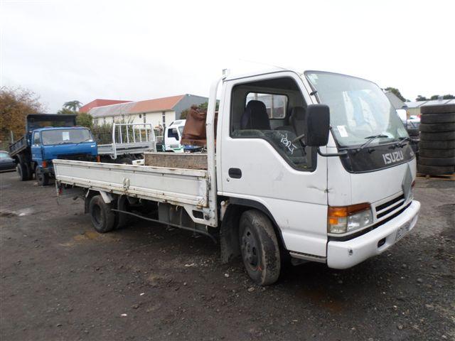 Isuzu taranaki truck dismantlers parts wrecking and dismantling isuzu elf 1995 stock no 1419 publicscrutiny Gallery